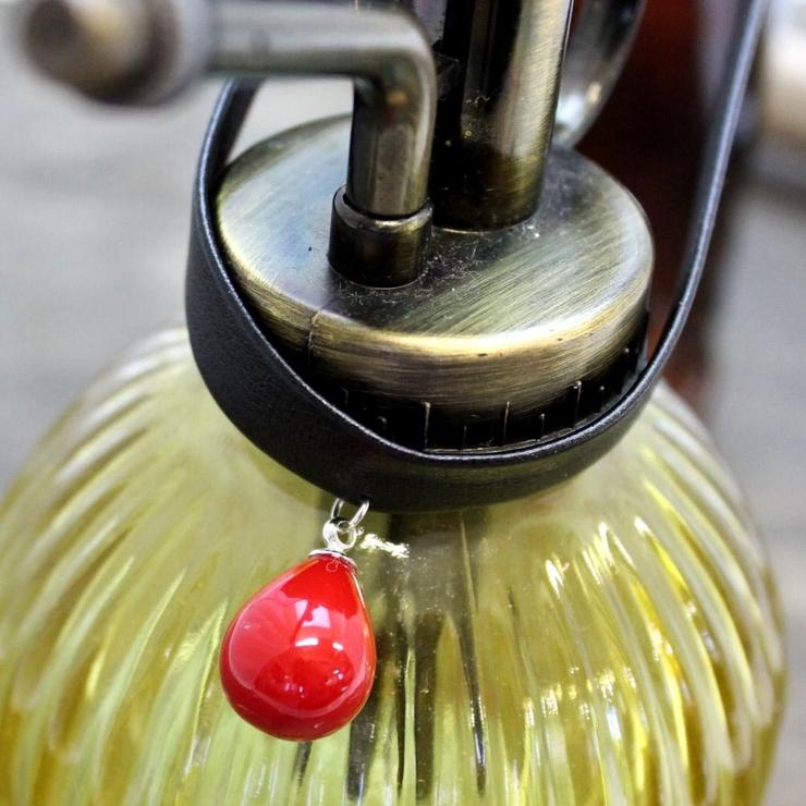 クラシカルレッド 雫型のレッドボールチョーカーネックレス R | lunolumo | 詳細画像1